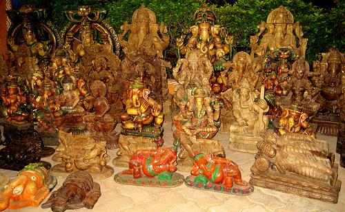 idols in shilparamam