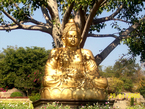 ramoji_film_city_golden_buddha_hyderabad