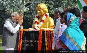 pm-modi-pays-tribute-to-abdul-kalam